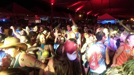 CarnaIlha é o evento que mantêm turistas por mais tempo em Ilha Solteira