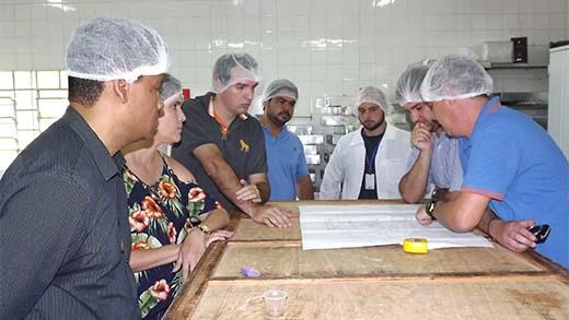 FDE reformará Cozinha Piloto e Prefeitura renovará convênio de merenda para escolas estaduais