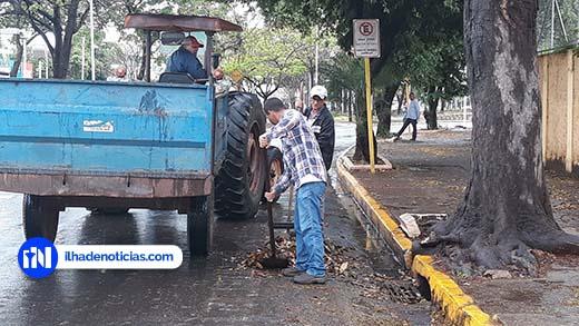 Após limpeza das lombo-faixas, pontos de alagamento na Avenida diminuem